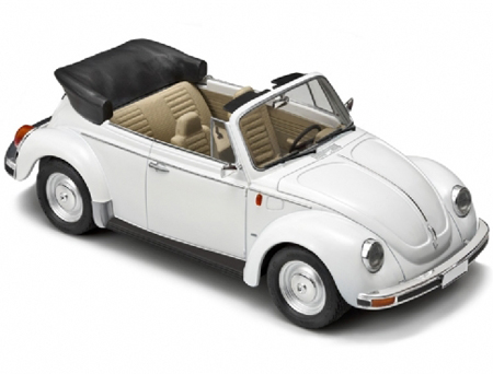 Byggmodell bil - VW Beetle Cabrio - 1:24 - IT